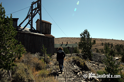 Arilem walking towards the head frame